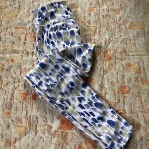 ALO Full Length white animal print leggings Sz M?